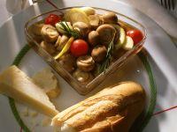 Marinierte Champignons mit Kirschtomaten Rezept