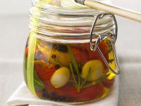 Marinierte Paprika mit Lorbeeren und Rosmarinöl Rezept