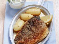 Marinierter Karpfen auf Nürnberger Art mit Meerrettichsahne und Kartoffeln Rezept