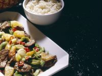 Mariniertes Rindfleisch mit Ananas aus dem Wok Rezept