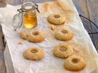 Marmeladenplätzchen mit Holunderblütengelee Rezept