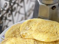 Markkanische Eierkuchen mit Honig