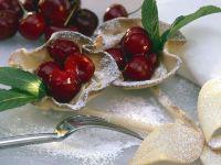 Marzipan-Kirschtörtchen Rezept