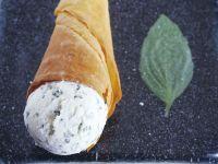 Mascarponeeis mit Basilikum Rezept