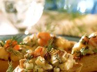 Matjessalat auf Röstbrot Rezept