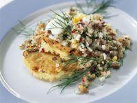 Matjestatar auf Kartoffelpuffern Rezept
