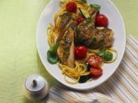 Mediterranes Hähnchen mit Gemüse-Nudeln Rezept