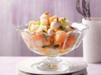 Melonen-Mozzarella-Salat mit gerösteten Mandeln Rezept