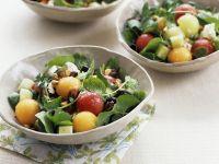Melonensalat mit Kräutern und Mozzarella Rezept