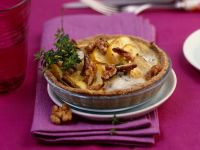 Mini-Chicoréetörtchen mit Apfel, Walnüssen und Blauschimmelkäse Rezept