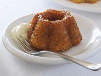 Mini-Orangenkuchen mit Schlagsahne Rezept