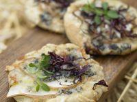 Mini-Pizza mit Radicchio, Birne und Gorgonzola Rezept