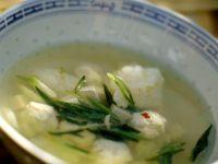 Misosuppe mit Tofu und Fischbällchen Rezept