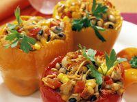 Mit Bohnen und Mais gefüllte Paprikaschoten Rezept