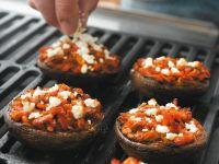 Mit Feta gefüllte Pilze vom Grill Rezept
