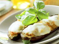 Mit Gnocchi gefüllte, überbackene Auberginen Rezept