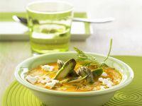 Möhrensuppe mit grünem Spargel und Ziegenkäse Rezept
