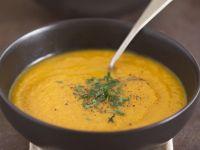 Möhrensuppe mit Orangen Rezept