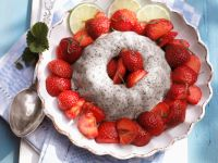 Mohnflammerie mit marinierten Limetten-Erdbeeren Rezept