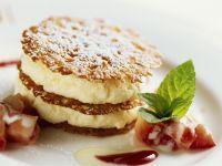 Mousse mit Eierlikör, dazu Erdbeeren Rezept