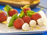 Mozzarella-Erdbeer-Häppchen
