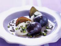 Mozzarella mit Zwetschgen und Pistazien Rezept