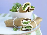 Mozzarella-Wraps mit Rucola und Zwiebelchutney Rezept