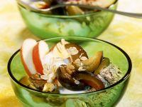 Müsli mit Dickmilch und Früchten Rezept