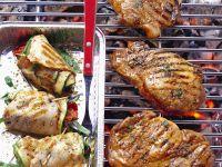 Nackensteaks vom Schwein und Geflügelroulade Rezept