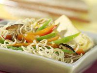 Nudel-Gemüse-Pfanne mit Tofu Rezept
