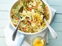 Nudeln mit Gemüse und Avocadosauce Rezept