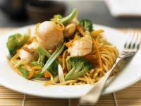 Nudeln mit Gemüse und Muscheln Rezept