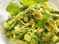 Nudeln mit grünen Bohnen und Pesto Rezept