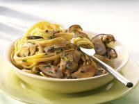 Nudeln mit Pilz-Sahne-Soße Rezept