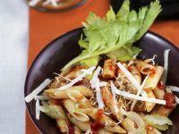 Nudeln mit Tomatensugo und Linsensprossen Rezept