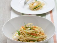 Nudeln mit Zucchini, Lachs und Mozzarella Rezept