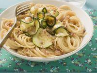 Nudeln mit Zucchinisoße