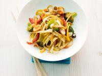 Nudelpfanne mit Brokkoli und Reisgebäck Rezept
