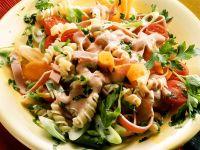 Nudelsalat mit Gemüse und Bierschinken Rezept