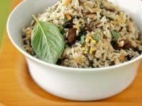 Nuss-Reis mit Basilikum Rezept