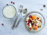 Obstsalat mit Granatapfel und Budwig Joghurt Rezept