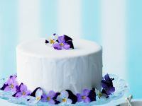 Österliche Torte mit Blüten Rezept