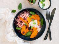Ofenkürbis auf Rote-Bete-Reis-Pfanne und Parmesan-Sauce Rezept