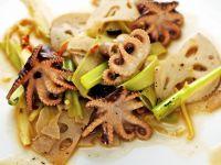 Oktopussalat mit Lotuswurzel und Stangensellerie Rezept