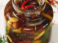 Oliven in Öl eingelegt