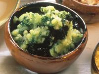 Olivenaufstrich mit Basilikum Rezept