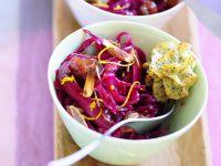 Orangen-Rotkraut-Salat mit Kranbeeren dazu Pommes duchesse mit Mohn Rezept