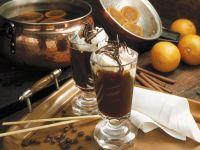 Orangenkaffee mit Schlagsahne
