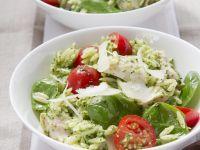 Orzo-Salat mit Hähnchen und Pesto Rezept