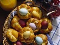 Ostereier im Hefezopfnest Rezept